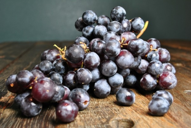 seedless-concord-grapes