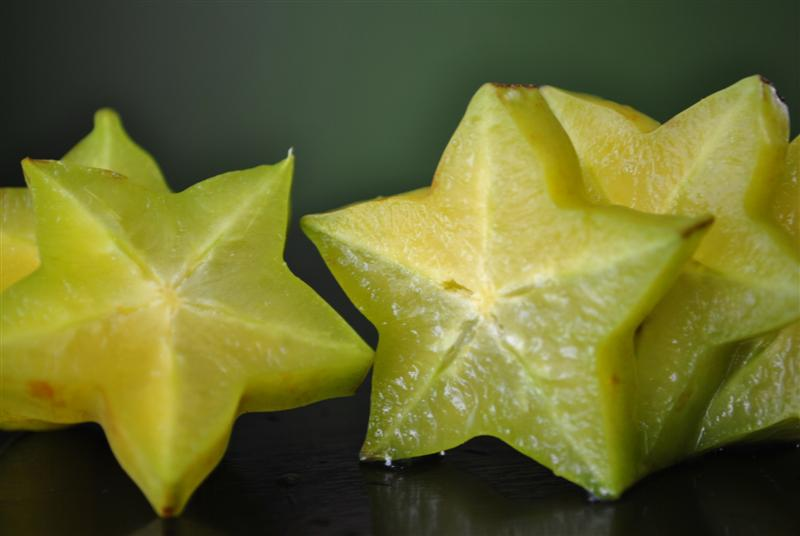 what does a star fruit taste like stinky fruit