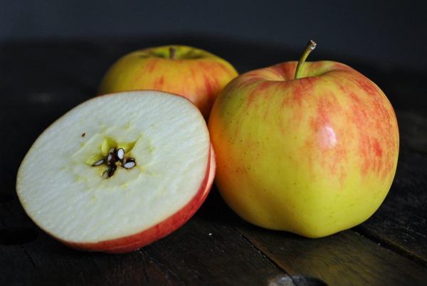 lady-alice-apples