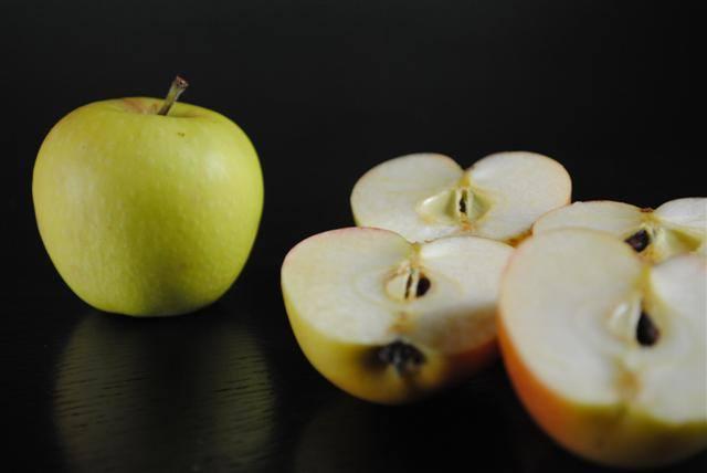 blushing-gold-apple-whole