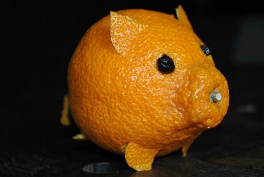 tangerine-pig-right